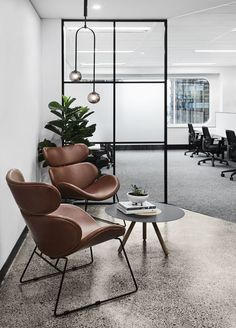20 Modern Office Space Design That Attract The Best Employees – Office Design 2020 Corporate Office Design, Business Office Decor, Modern Office Decor, Industrial Office Design, Home Office Decor, Office Ideas, Professional Office Decor, Modern Office Spaces, Industrial Lighting