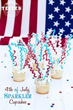 4th of July Sparkler Cupcakes - Need a quick and easy treat for 4th of July? Purchase store bought cupcakes and place DIY chocolate sparklers in them for a fun treat! #4th of July #Cupcakes #Chocolate