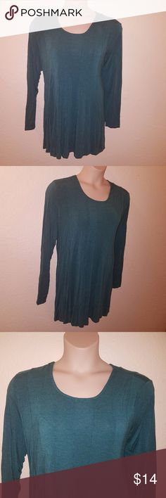 """Aqua EXTRA Long HI LOW Shirt 2X 22 24 EUC LN Like NEW Condition! NO Flaws Noted! TAG Size ~ 2X  BUST ~ Approx 46"""" LENGTH ~ Approx 34 - 38""""  From a SMOKE FREE HOME  I LUV TO SHARE!!!  ***TOP 10% SHARER***  POSH MENTOR!!! I LUV TO MEET NEW POSHERS!  10/1 @@@@@ VEGAS STRONG @@@@  LUPUS AWARENESS MONTH ~ MAY Soft Surroundings Tops"""