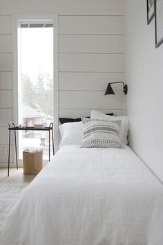 There is no reason at all that a small bedroom, even a really tiny bedroom can't be every bit as gorgeous, relaxing, and just plain full of personality as a much larger space. Seek out storage ideas for small bedrooms… Continue Reading → Farmhouse Bedroom Furniture, Farmhouse Style Bedrooms, Home Decor Bedroom, Farmhouse Decor, Bedroom Sets, Bedroom Wall, Master Bedroom, Bedding Sets, Small Apartment Bedrooms