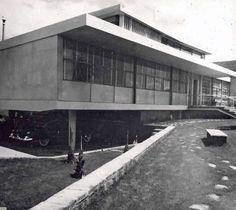 Casa en Palmas, Paseo de las Palmas 1201, Lomas de Chapultec, México DF, 1952 Arq. Abraham Zabludovsky