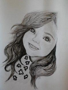 Este retrato con formato vertical está compuesto por rotulador. En el, podemos ver la cara ladeada de una niña. Eso le da movimiento a la imagen. El mayor peso visual se encuentra sobre su pelo ya que es muy oscuro.