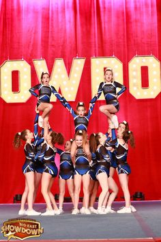 cheerleading stunting Level one cheer pyramid Easy Cheerleading Stunts, Cheerleading Cheers, Cheer Coaches, Cheer Mom, Cheer Pyramids, Cheerleading Pyramids, Cheer Dance Routines, Cheer Practice, Cheer Picture Poses