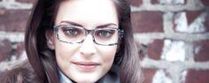 vyšetrenie zraku je veľmi dôležitá vec pre vaše oči aby netrpeli zbytočne - http://www.optikasiloe.eu/sk/vysetrenie-zraku/odborne-vysetrenie-zraku
