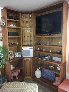 mueble modular con repisas de madera lenga