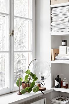 Stockholm space with touches of black and gold (my scandinavian home)