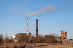 Uus ja vana õlitünn / New and old oil retort in Kiviõli Estonia