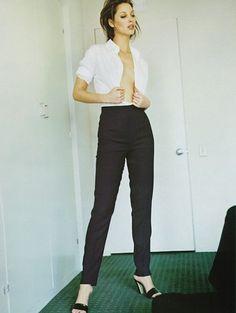 "diafano: "" Christy Turlington photographed by Mario Testino for US Harper's Bazaar September 1995 "" Fashion Gone Rouge, 90s Fashion, Fashion Models, Fashion Shoot, Mario Testino, Christy Turlington, 90s Models, Vintage Vogue, Model Agency"