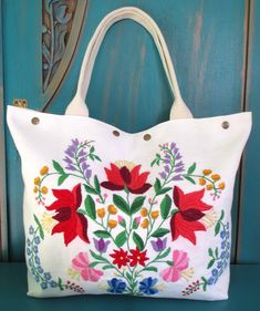 """55-V. Upcycled hand embroidered canvas bag/upcycled vintage embroidery bag/hand embroidered bag/Hungarian """"kalocsai"""" embroidery/linen bag Embroidery Bags, Vintage Embroidery, Embroidery Patterns, Interfacing Fabric, Hungarian Embroidery, Linen Bag, Unique Bags, Cotton Crochet, Vintage Textiles"""