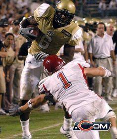 WR Brandon Marshall - UCF Brandon Marshall, Vintage Football, Chicago Bears, College Football, Live Music, Monsters, Superhero, Game, Sports
