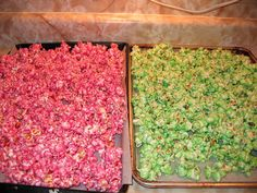 worked out great! make in party theme colours Taste of Homemade: Colored Popcorn Pink Popcorn, Sweet Popcorn, Easy Colored Popcorn Recipe, Green Popcorn Recipe, Candy Popcorn, Flavored Popcorn, Popcorn Bar, Zombie Birthday, Zombie Party