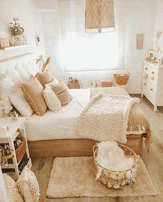 Cute Bedroom Ideas, Room Ideas Bedroom, Home Decor Bedroom, Bedroom Inspo, Bedroom Inspiration Cozy, Brown Bedroom Decor, Warm Bedroom, Pretty Bedroom, Boho Room