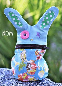 Hungriges Häschen zum Selbst-Machen! Nicht nur zu Ostern eine ultra-süße (Geschenk-)Idee! #Hase #Geschenk #Ostern #DIY