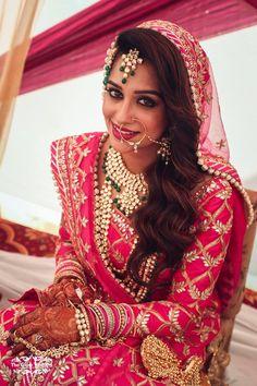 Inside 'Sasural Simar Ka' Fame Dipika Kakar And Shoaib Ibrahim's Nikah Ceremony Indian Bridal Outfits, Indian Bridal Wear, Pakistani Bridal Dresses, Indian Dresses, Indian Wear, Muslim Brides, Wedding Dresses For Girls, Wedding Outfits, Stylish Girls Photos