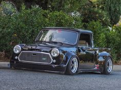 When it comes to a Modified Mini Monday I do love a low n fat Mini Pickup, they just look sooo frickin cool!