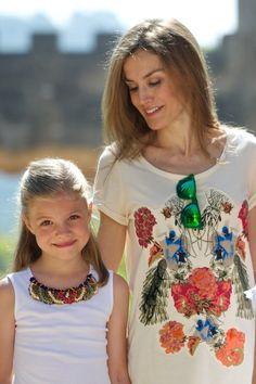 Queen Letizia of Spain Photos - Spanish Roylas Visit Palma de Mallorca - Zimbio