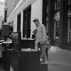 #cinqmars #sfo #streetphotography #bnw  #bnwphotography #caughtintheact Mars, Street Photography, Acting, Instagram, March