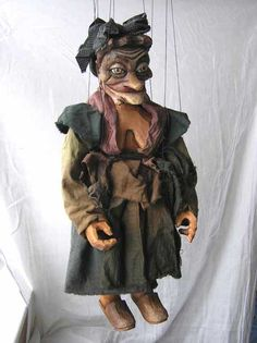 "VSG s.r.o. ""Czech Puppets"" :: Wood marionettes :: Witch, Hexe marionette"