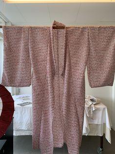 Kimono, Sweaters, Fashion, Moda, Fashion Styles, Sweater, Kimonos, Fashion Illustrations, Sweatshirts