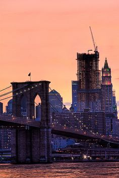 Brooklyn Bridge with a view towards Manhattan - New York City Oh The Places You'll Go, Places To Travel, Places To Visit, Little Italy, Empire State, Brooklyn Bridge New York, Ville New York, Beau Site, I Love Nyc