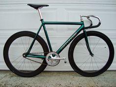 cadre vert, guidon course gris/noir