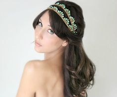 Turquoise and rhinestones bridal headband - 16 Minimalist Bridal Hairstyles For Long Hair