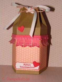 Valentine's day gift box featuring Stampin' Up! Banner Blast stamp set and punch #StampinUp #SaleABration