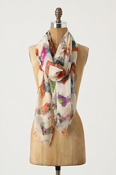 Anthropologie. Well versed in scarves, accessories and home goods. C'est tout.