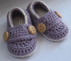 Crochet Baby Booties Cotton Little Button by HeathersHobbies, $18.00