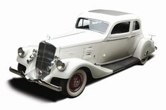 This white 1934 Silver Arrow from Pierce-Arrow was sold for $258,500.