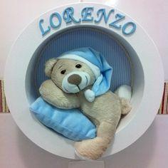 Lindo Enfeite porta Maternidade Nicho Redondo urso dorminhoco. Ideal para enfeitar o quartinho do bebê. Todos os detalhes para a confecção serão passados por e-mail após a compra. Ótima opção de presente!