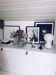 Förändringarna som avgör – Susan Törnqvist Floating Shelves, Projects To Try, Gallery Wall, Cozy, Living Room, Interior, Home Decor, House, Italy