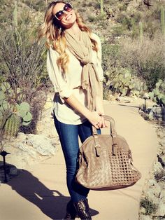 Have this in black and camel.. want this color toooooo...