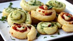 Pesto crescent swirls = party in your mouth!