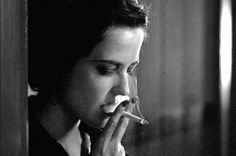 "Eva Green jako Miss G. (""Cracks"")"