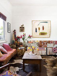 Mix mid-century design with boho charm for laid-back stylish living!