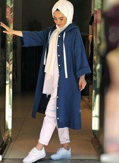 Genç Tesettür Hijab Fashion Summer, Modest Fashion Hijab, Modern Hijab Fashion, Street Hijab Fashion, Modesty Fashion, Hijab Fashion Inspiration, Islamic Fashion, Muslim Fashion, Mode Inspiration