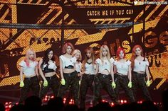 Snsd catch me if you can stage