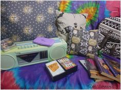 Teen Girl Bedrooms midas and nice demo - Most vibrant teen room information. For extra glam designs simply press the image link today. Condo Bedroom, Small Room Bedroom, Dream Bedroom, Girls Bedroom, Bedroom Decor, Bedroom Ideas, Retro Bedrooms, Teenage Girl Bedrooms, Teenage Room