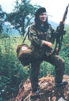 Сацита Магомадова, с.Бамут, 1996г Чеченская Республика, с. Бамут в качестве медсестры до последних минут принимала участие в обороне Президентского дворца в январе 1995 года.