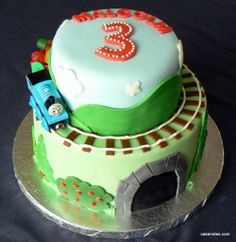 Emerson would love this thomas cake!!!!
