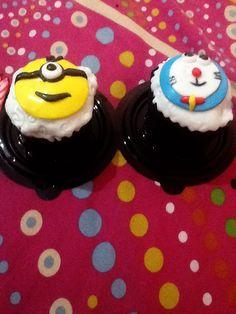 Minions and doraemon cupcakes :3