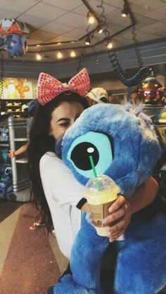 It's my dream when I ( eventually ) go to Disneyland to meet stitch and give him a big hug! Disney Dream, Disney Love, Disney Magic, Disney Trips, Disney Parks, Walt Disney World, Disney Bound, Disney Vacations, Disney Pictures