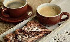 Looking at the - best organic coffee beans - espresso maker with grinder Coffee Barista, Coffee Type, Coffee Creamer, Coffee Aroma, Coffee Scrub, Black Coffee, Coffee Drinks, Coffee Shop, Best Travel Coffee Mug