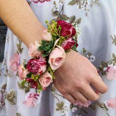A Bracelet Of Fresh Flowers