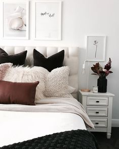 Create the perfect bedroom with these key principles and Principles for Creating the Perfect Elegant and Modern Master Bedroom Design Ideas 201845 Perfect Coastal Beach Bedroom Decorating Ideas Bedroom Inspo, Home Bedroom, Modern Bedroom, Bedroom Decor, Bedroom Ideas, Bedroom Black, Bedroom Furniture, Black Furniture, Trendy Bedroom