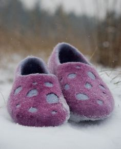 Felted slippers from softest merino wool DOTS by Ing00te