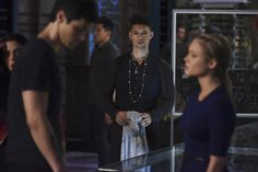 What a time to be alive in the Shadowhunters fandom! TV Insider debuted seven new promotional stills (and one previously released) from Shadowhunters season The new stills feature some shirtless… Shadowhunters Tv Show, Shadowhunters The Mortal Instruments, Malec, Netflix, Magnus And Alec, The Guilty, Cw Series, Matthew Daddario, The Dark Artifices