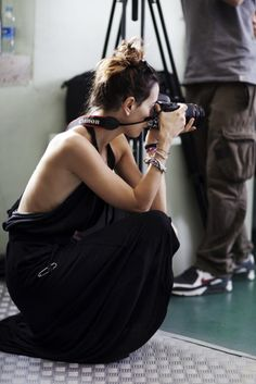 what makes this stylish is the camera and her focus.