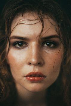 book 2014 V - Aleksandra V. Editorial Photography, Portrait Photography, Dark Beach, Beach Shoot, Studio Portraits, Female Portrait, Woman Face, Female Characters, Behance